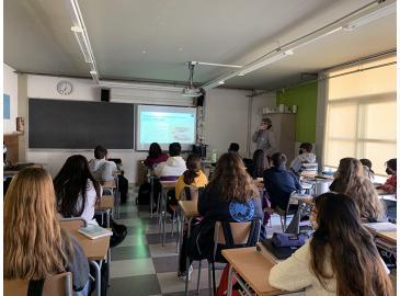 Charlas sobre tiburones y rayas en el Instituto Escuela de Cadaqués